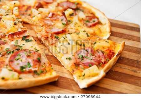 isolated on white pizza ready to eat