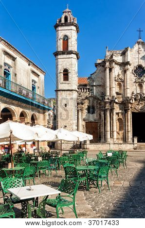 The Cathedral of Havana and the famous nearby square on a beautiful day