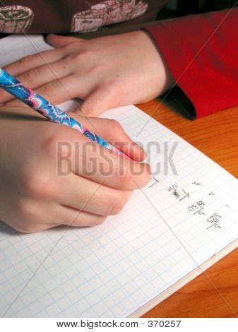 Hände Student Hausaufgaben