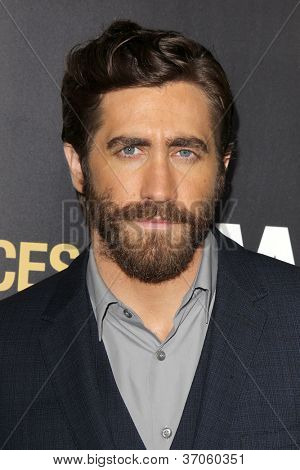 LOS ANGELES - SEP 17:  Jake Gyllenhaal arrives at the