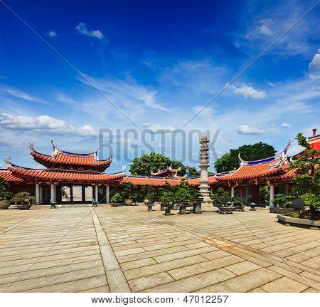 Puertas de Lian Shan Shuang Lin Monasterio, Singapur