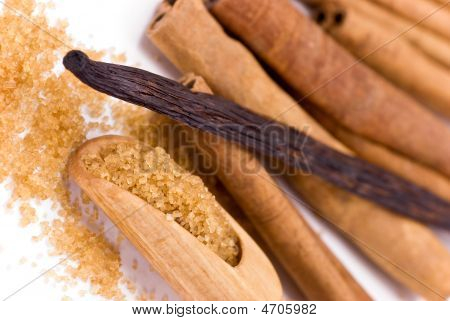 Cinnamon ,vanilla Beans And Bark Isolated On White