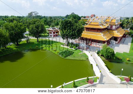 "Phra Thinang Wehart Chamrun (royal Residence ""heavenly Light"")"