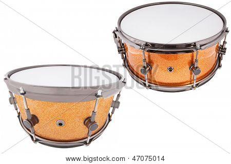 La imagen de tambores bajo un fondo blanco