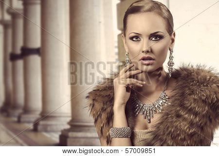 Charming Rich Fashion Lady