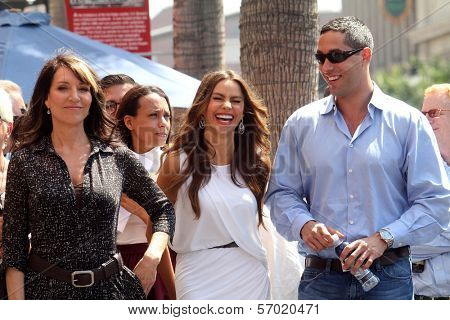 Katy Segal, Sofia Vergara and Nick Loeb at the Ed O'Neill Hollywood Walk Of Fame Induction Ceremony, Hollywood, CA. 08-30-11