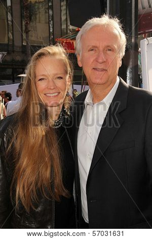 Suzy Amis, James Cameron at the World Premiere Of