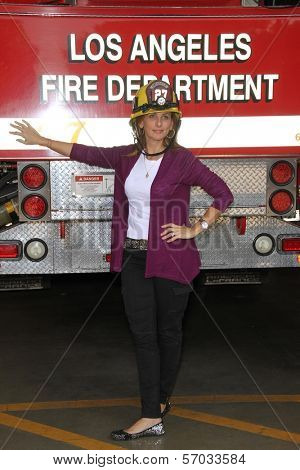 Marlee Matlin at the Hollywood Chamber Of Commerce 17th Annual Police And Fire BBQ, Private Location, Hollywood, CA 11-30-11