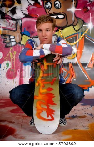 Menino skate, Graffiti Wall