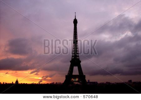 Eiffel Tower/paris France At Sunrise