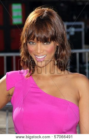 Tyra Banks at the 2011 VH1 Do Something Awards, Hollywood Palladium, Hollywood, CA 08-14-11