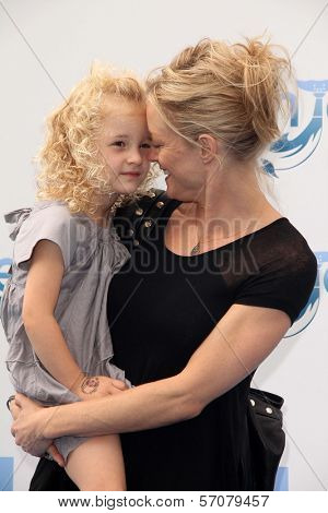 Teri Polo, daughter Bayley at the
