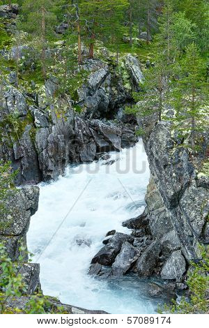 Summer Mountain River Waterfalls (norge)