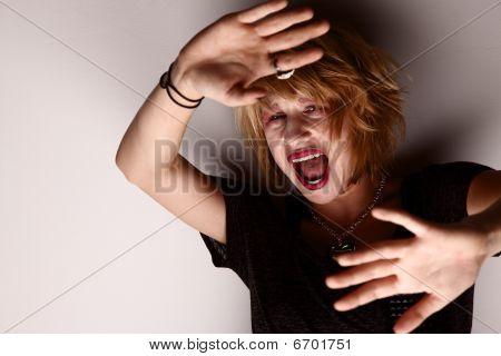 Gritando a vítima