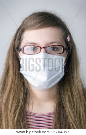 girl with the protective  mask