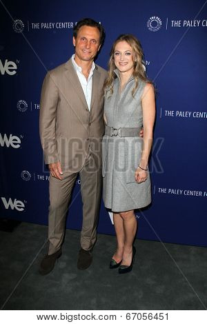 LOS ANGELES - JUN 19:  Tony Goldwyn, Marin Ireland at the
