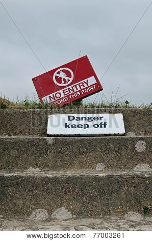 No entry danger keep off signs