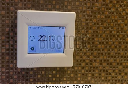 Electronic thermometer in bath-room