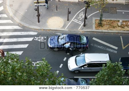Policmen stopping a car