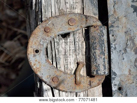 Old Door-hinge