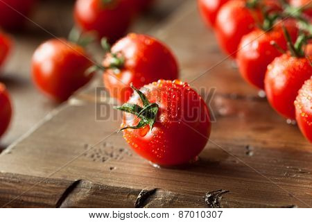Raw Organic Red Cherry Tomatoes
