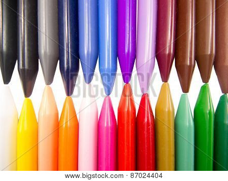 full color crayon horizontal head to head irregular