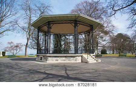 Gazebo in a park in Geneva