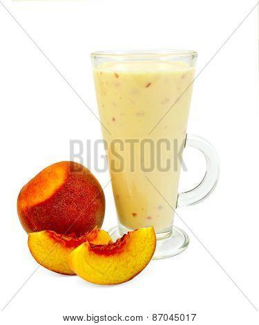 Milkshake with peach slices