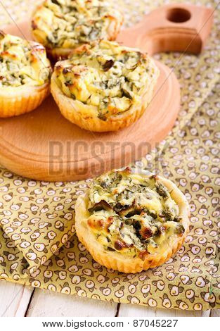 Cheese And Spinach Pastry Pies