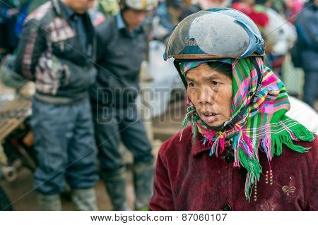Hmong woman in Sapa