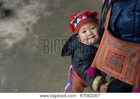 Red Dao child