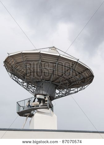 Parabolic Satellite Radar Antenna Dish For Radio Television Translation