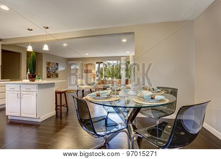 Excellent Dinning Area With Glass Table.