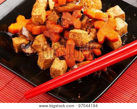 Thai Tofu With Carrots And Mushrooms
