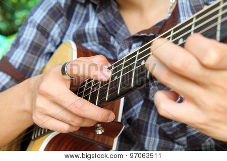 tapping technic to guitar