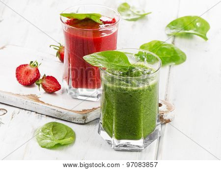 Spinach And Strawberry Smoothies