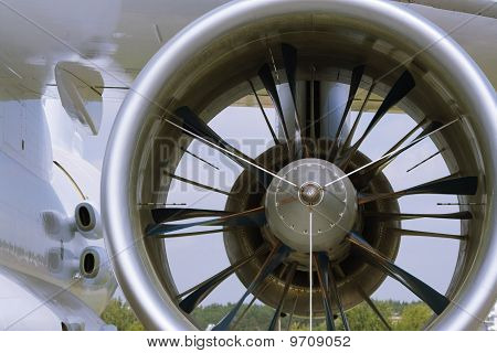aircraft turbo-prop engine