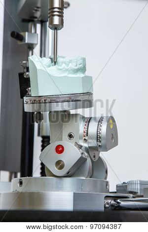 Machine For Surgical Dima Dental Prostheses