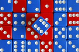pic of augen  - Wuerfel Spiel game play dice rot blau number - JPG