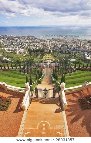 Tremendous solemn landscape - Bahay sacred places, Haifa and Mediterranean sea
