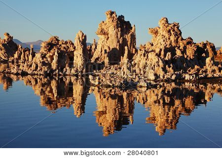 Fabulously beautiful Mono Lake with fantastic reef-Tufa. Sunset