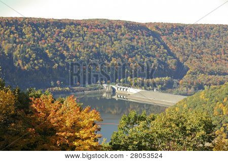 overlook of reservoir lake behind the Kinzua Dam in the Allegheny National Forest in fall