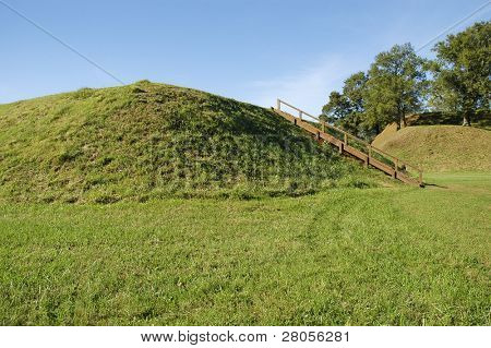 Etowah Indian Mounds
