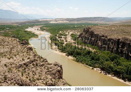 Rio Grande Wild and Scenic River and mountains