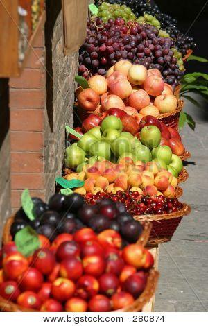 Tuscan Fruit Market