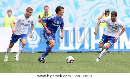 MOSCOW - JULY 3: Dynamo Kyiv's midfielder Roman Eremenko (C) and Dynamo Moscow midfielder Adrian Ropotan (R) in the game Dynamo Moscow vs. Dynamo Kyiv (2:0), July 3, 2010 in Moscow, Russia.
