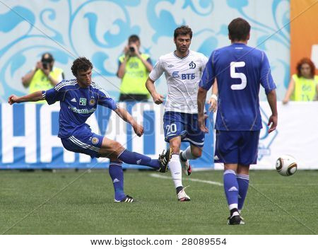 MOSCOW - JULY 3: Dynamo Kyiv's midfielder Roman Eremenko (L) and Dynamo Moscow midfielder Adrian Ropotan (20) in the game Dynamo Moscow vs. Dynamo Kyiv (2:0), July 3, 2010 in Moscow, Russia.