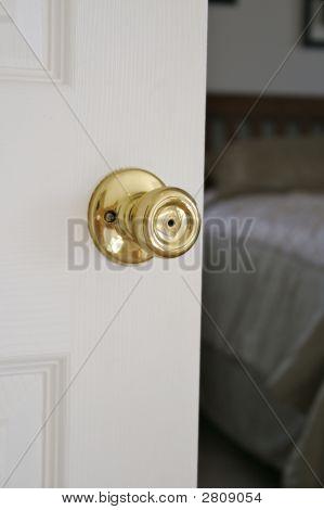 Bedroom Doorvert