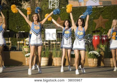 UCLA Cheerleaders