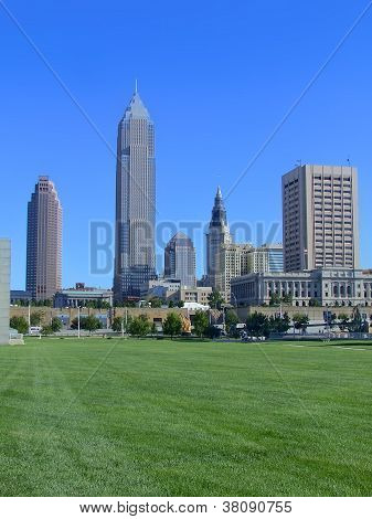 DowntownClevelandSkyline_ParkLawn